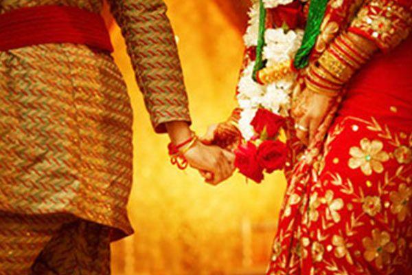 माँ कोन बनेगा: लड़की-लड़का दोनों ने लिंग परिवर्तन कराकर रचाई शादी
